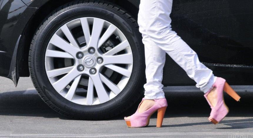 Научное издание отозвало статью о повышенной привлекательности женщин на каблуках