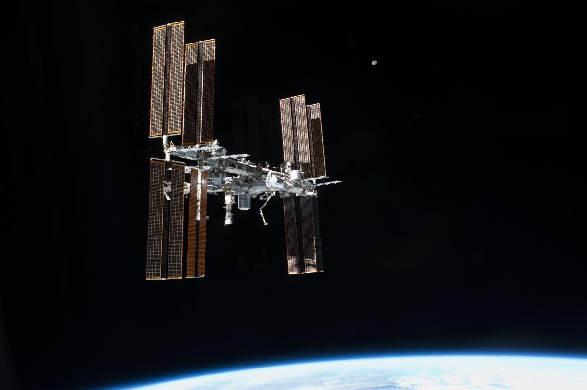 Міжнародна космічна станція на орбіті Землі, ілюстрація/ NASA