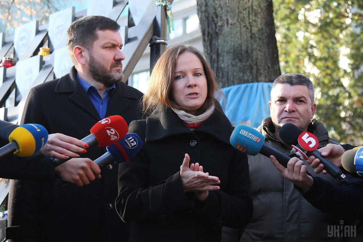Евгению Закревскую удалили с судебного процесса по ходатайству адвокатов Мангера / фото УНИАН