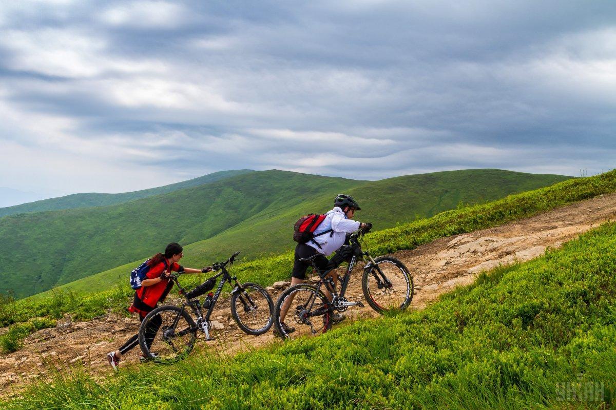 Зеленый туризм может стать выходом для туристов в условиях коронавируса / Фото УНИАН