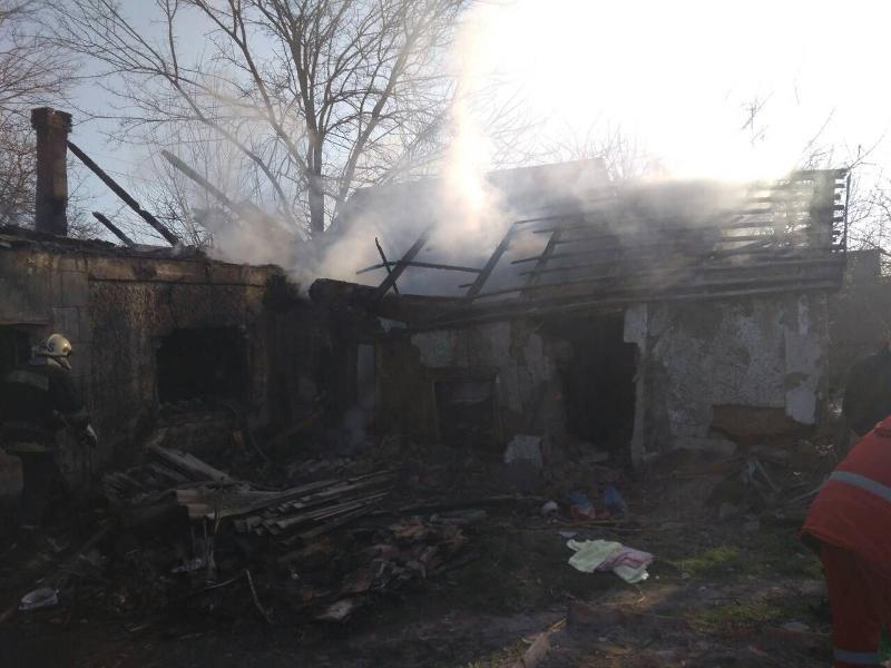 Пожежа охопила 100 кв. м будинку / фото dsns.gov.ua