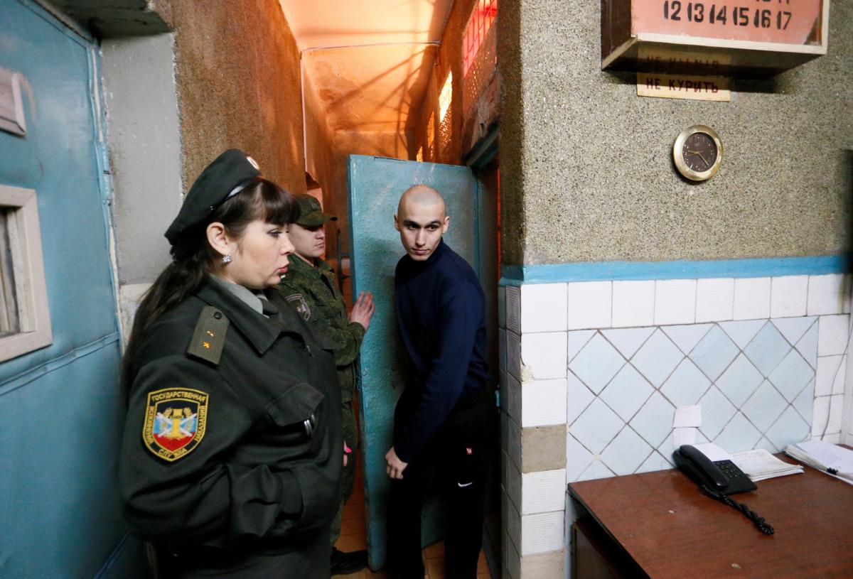 """У """"ДНР"""" планують, що до 2025 року єдиним """"документом"""" стане так званий паспорт """"ДНР"""" / фото REUTERS"""