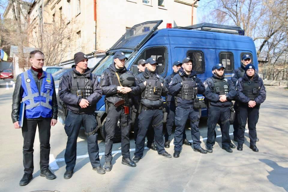 Поліцейські перевірятимуть і перевізників/ фото facebook/UA.KyivPolice