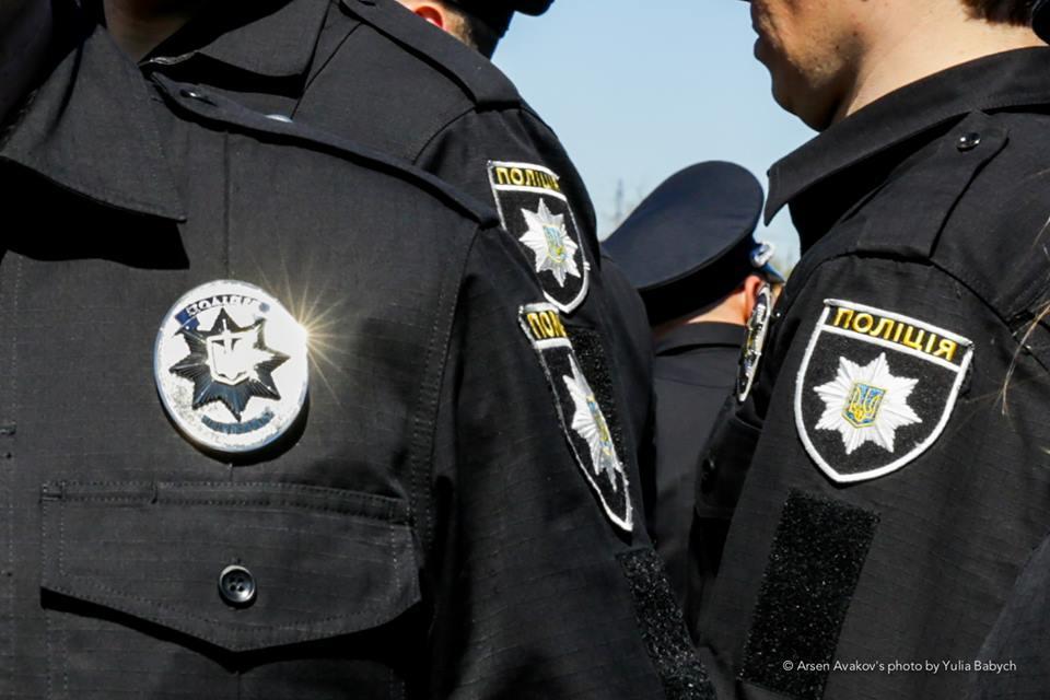 Девушку доставили в территориальный отдел полиции / фото facebook.com/mvs.gov.ua