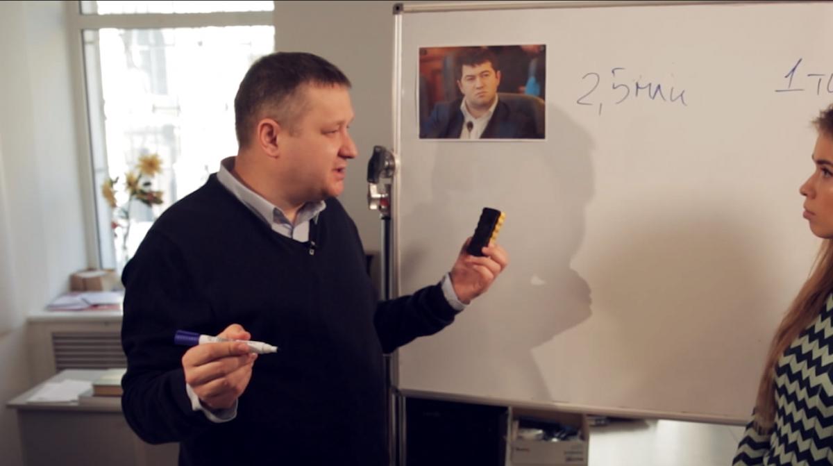 Олексій Кошель згадує, що на початку 2000-х кандидати платили до 400 доларів за голос виборця