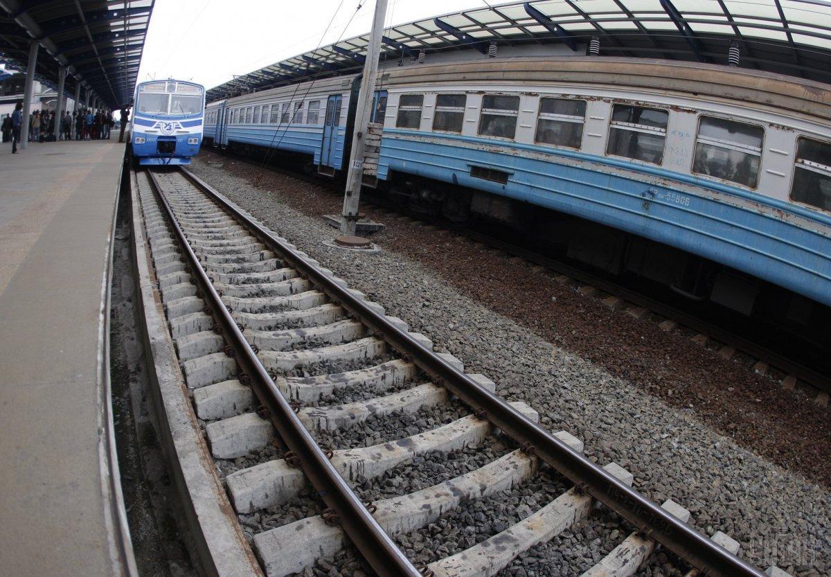 Через дії вандалів у столиці скасували багато рейсів міської електрички / фото УНІАН