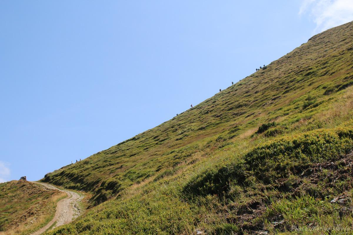 Найважчим у поході до найвищої вершини Мармарос є набір висот / фото Mariya Hovda