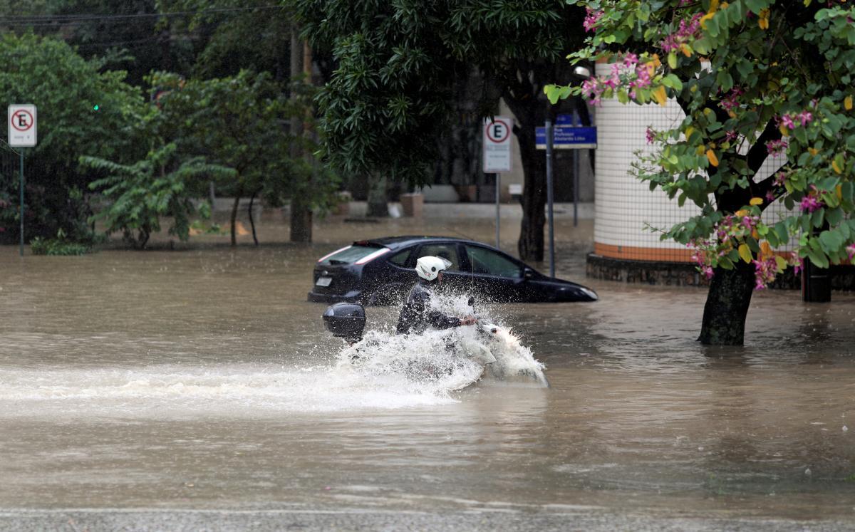 Наводнение в Рио-де-Жанейро / REUTERS