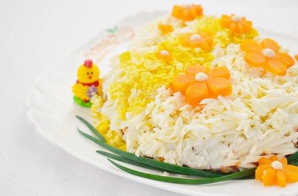 Рецепты салатов на Пасху / фото повар.ру