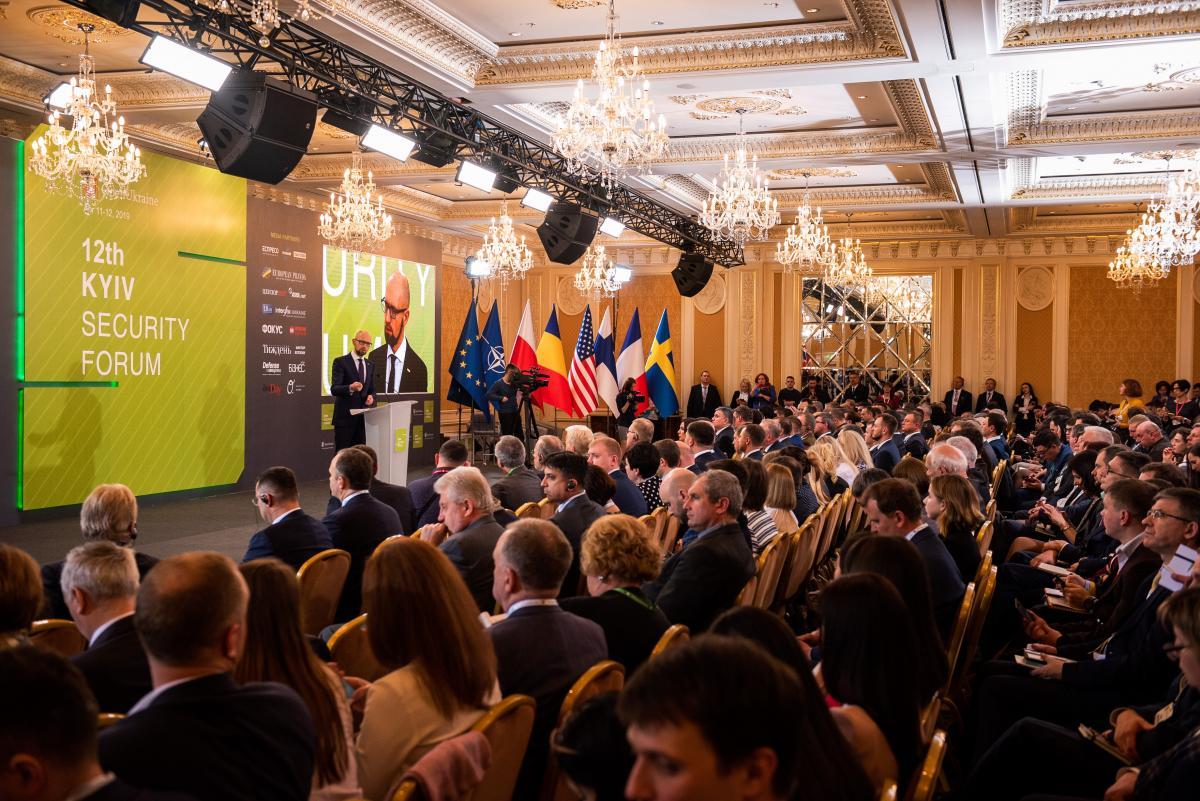 """Лидер """"Народного фронта"""" подчеркнул, что НАТО должно включить Украину в коллективнуюсистемубезопасности / фото nfront.org.ua"""
