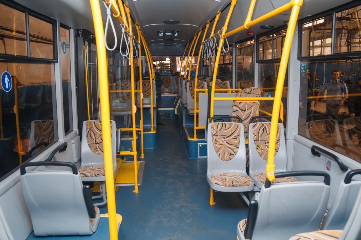 Во время происшествия в транспорте находились три десятка людей \ Фото www.vmr.gov.ua