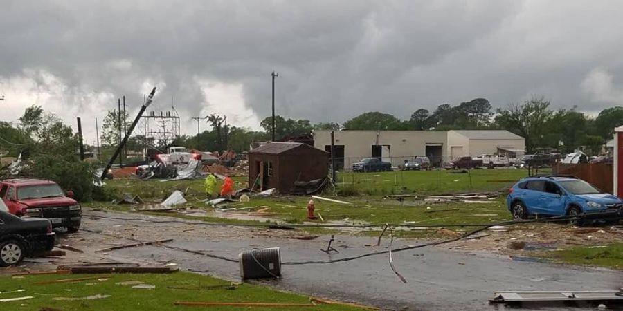 Жертвами торнадо стали два ребенка / фото Mike Lucas / Twitter
