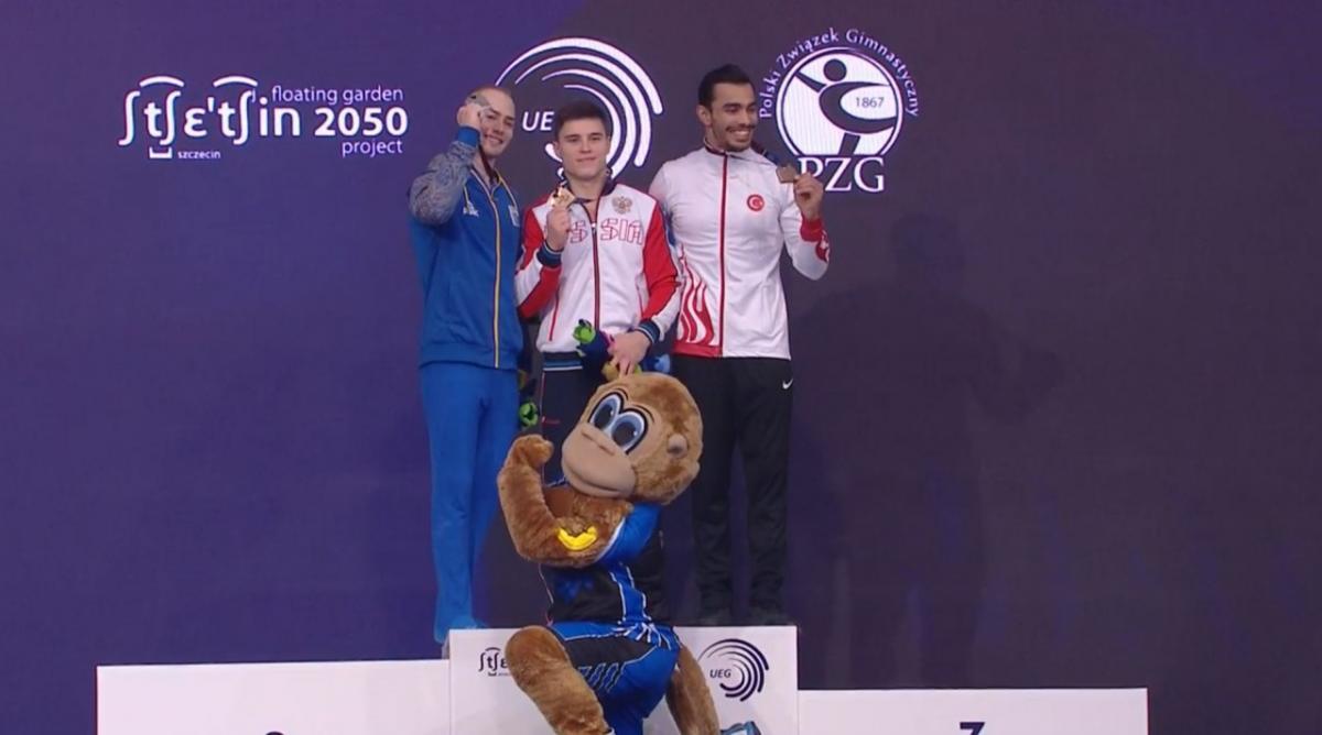 Петр Пахнюк (слева) с серебром чемпионата Европы / xsport.ua