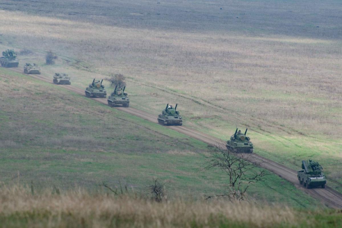 Наразі не спостерігається зменшення російських військ біля кордонів України / фото штаб ООС