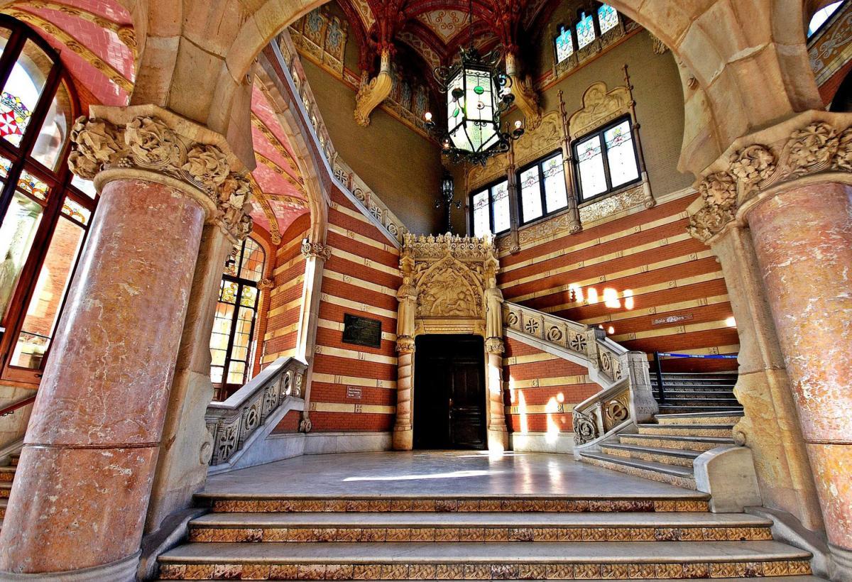Госпиталь Святого Креста и Святого Павла, вид внутри / Фото google.com