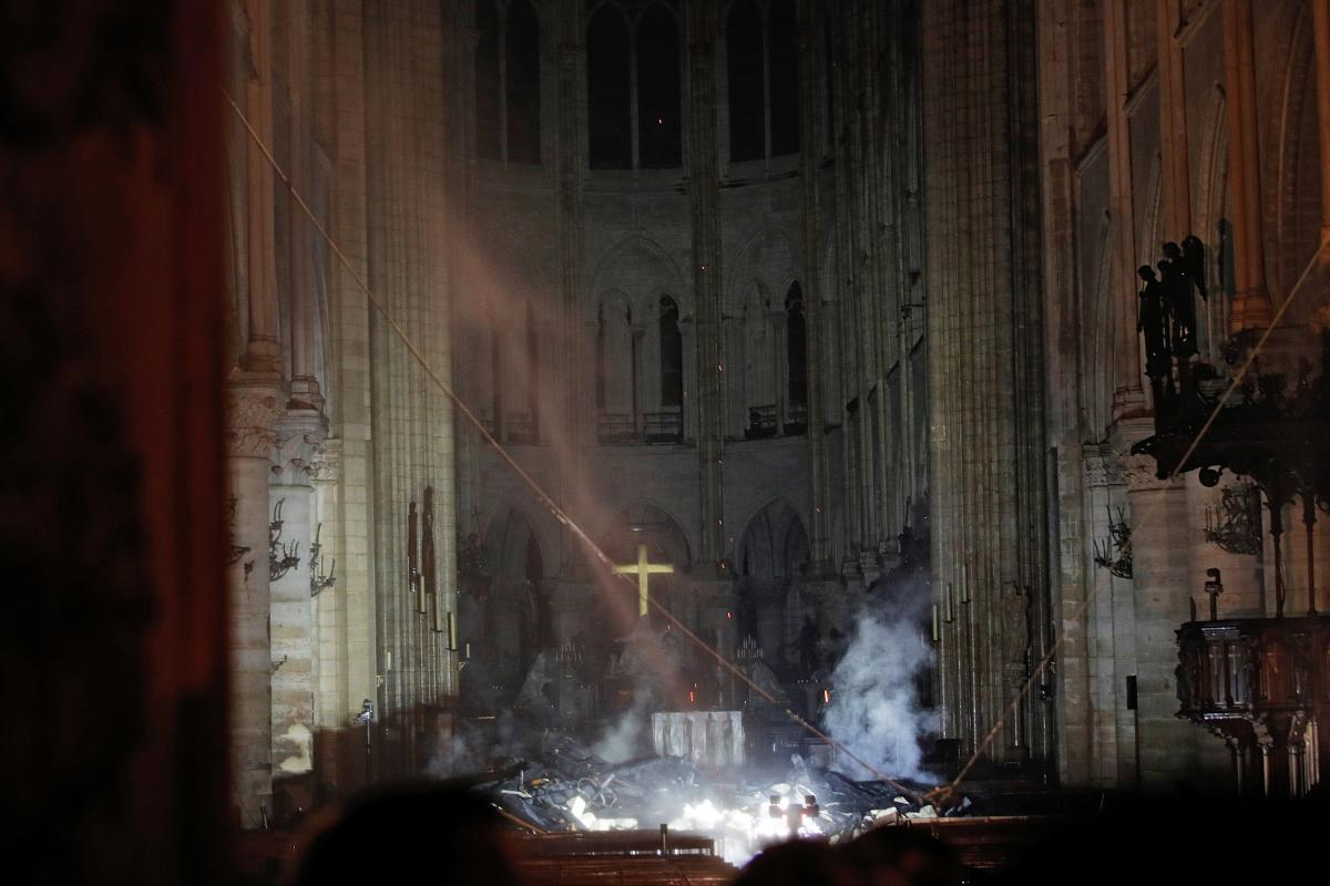 Нотр-Дам де Пари после пожара / REUTERS