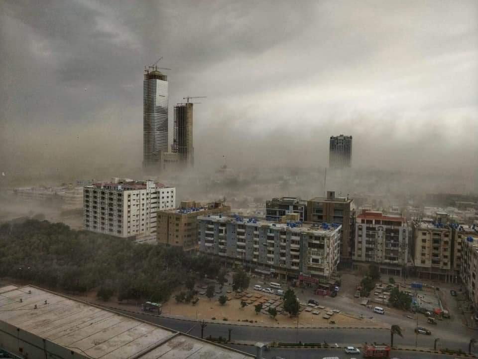 Піщана буря в Пакистані / twitter.com/DevelopmentPk