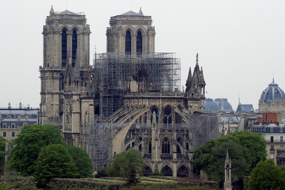 Во Франции собирают средства на восстановление Собора Парижской Богоматери / REUTERS