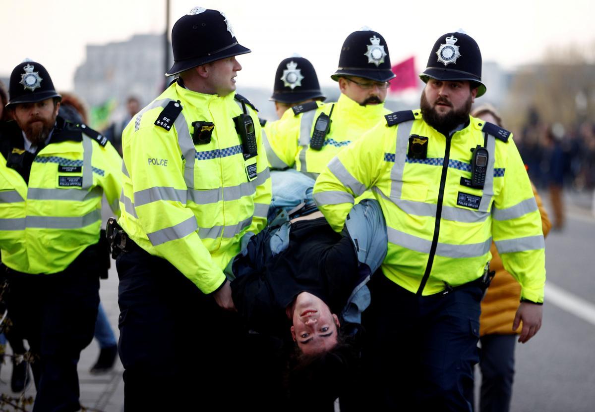 Климатические протесты в Лондоне  REUTERS
