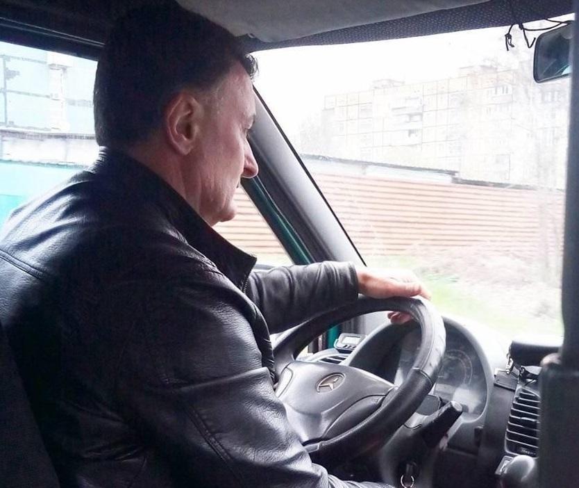 Чоловік зупинив автобус, запросив хлопця у салон і заспокоїв \ фейсбук Світлана Филяшина