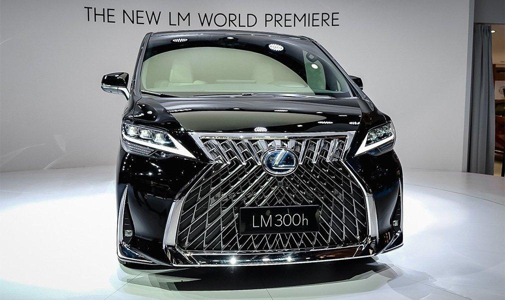 Салон автомобіля має «лімузинне» компонування / фото Lexus