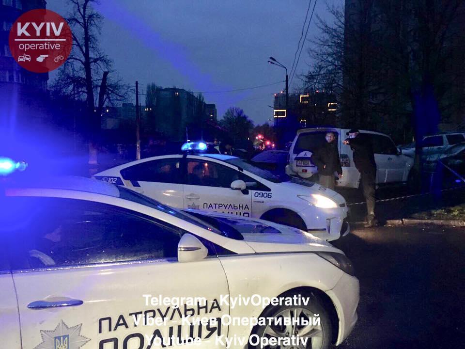 В Киеве пьяный иностранец на иномарке устроил масштабное ДТП / фото Киев оперативный