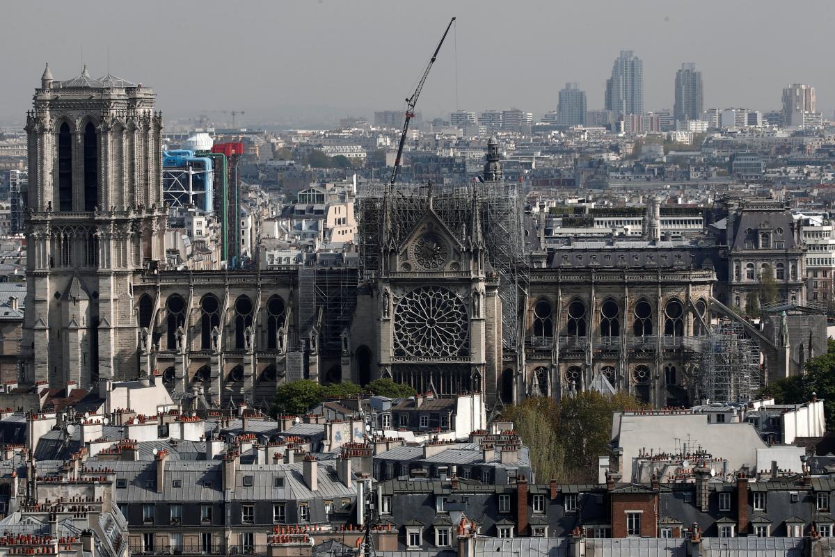 Сильнапожежа в соборі Паризької Богоматерісталася 15 квітня/ REUTERS