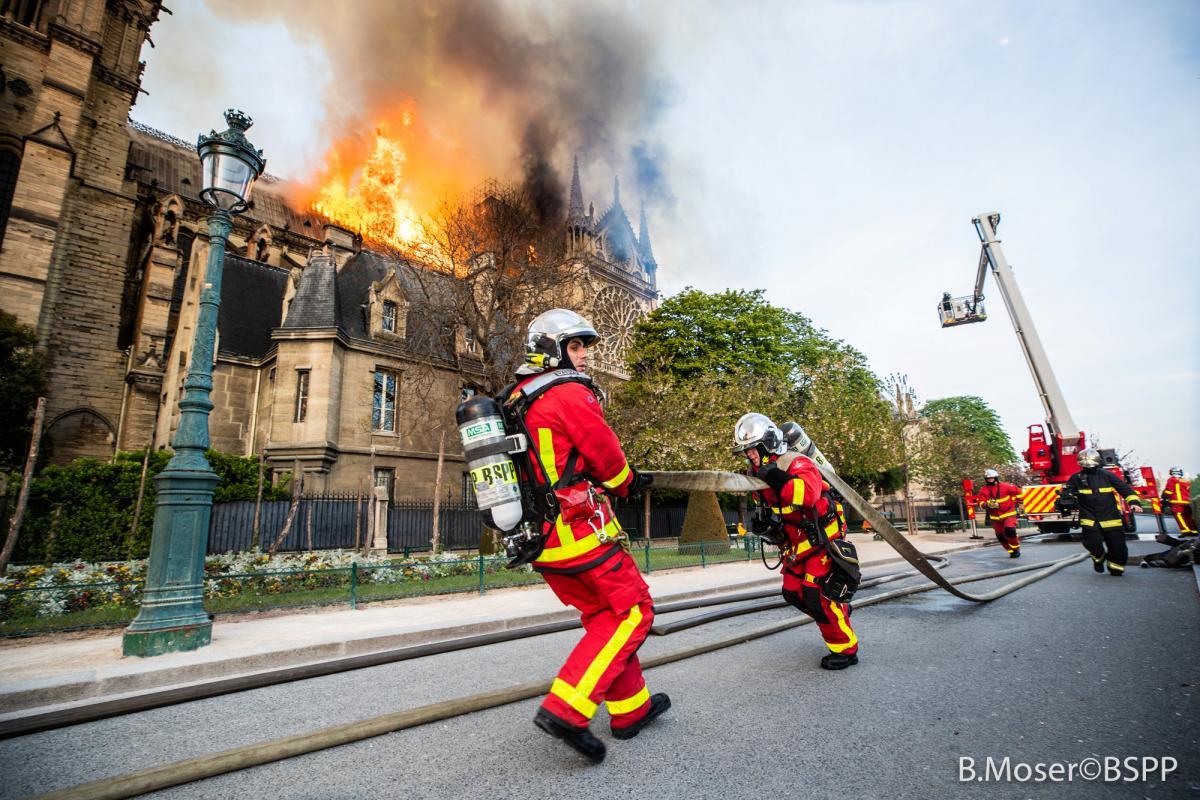 Пожежа в легендарному Соборі Нотр-Дам сталася увечері 15 квітня / REUTERS
