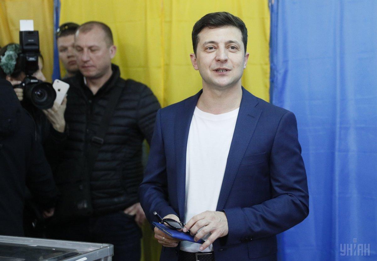 Володимир Зеленський під час голосування / Фото УНІАН