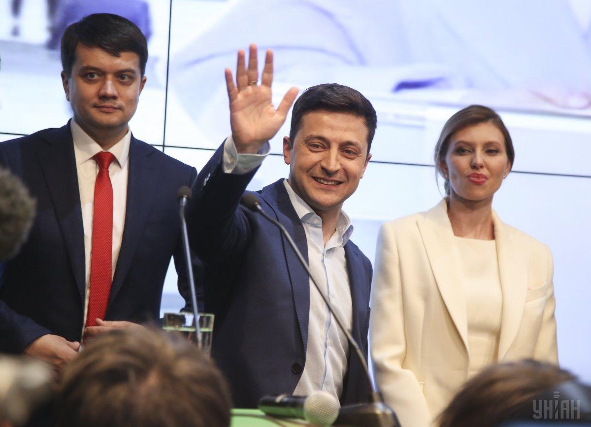 У штабі Зеленського пообіцяли велику прес-конференцію Зеленського одразу після оголошення офіційних результатів виборів / фото УНІАН