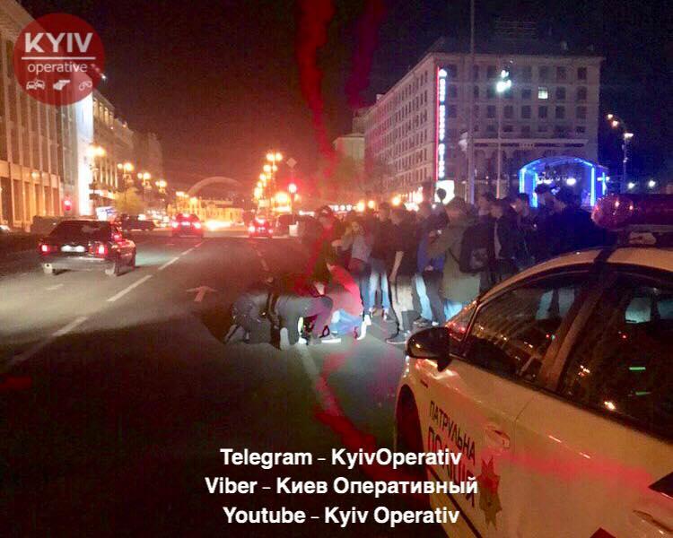 """Патрульну поліцейську госпіталізували / фото: """"Київ оперативний"""""""