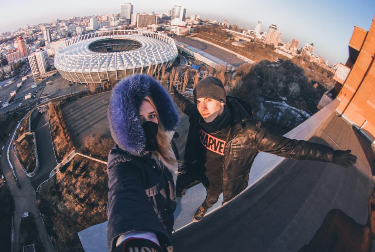С высотки возле НСК «Олимпийский» открывается невероятный вид / Фото Crowley