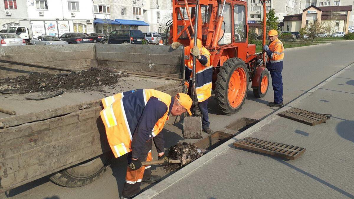 Во всех районах столицы продолжается текущий ремонт дорог - КГГА / kyivcity.gov.ua