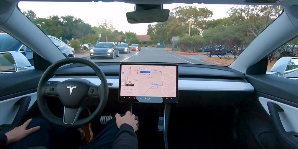 Tesla показала работу полноценного автопилота / фото Tesla Motors