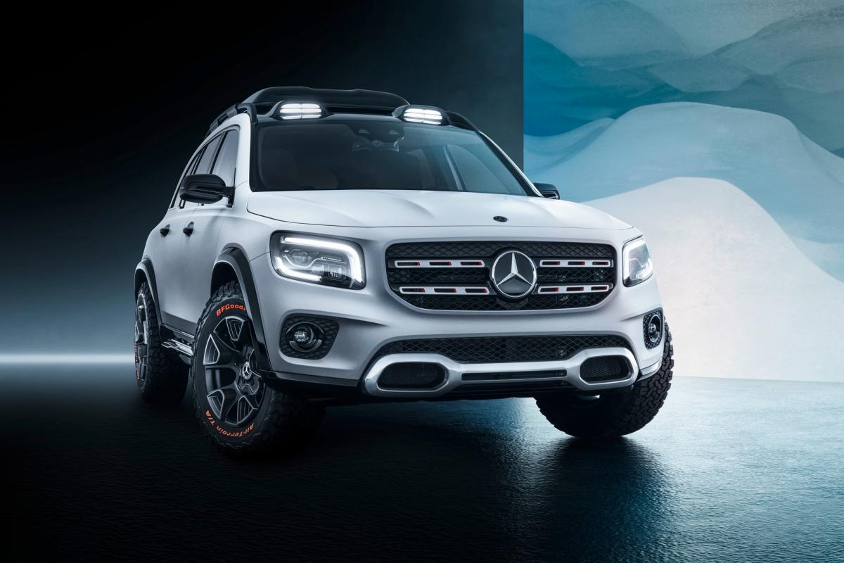 Серийная версия кроссовера Mercedes GLB будет представлена уже летом/ фото Motor1