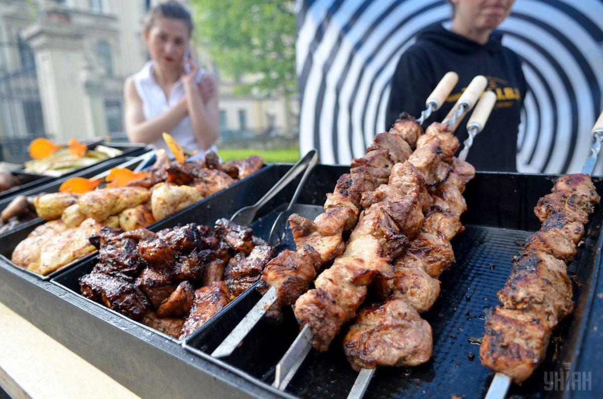 Шашлик зі свинини: рецепт / фото УНІАН