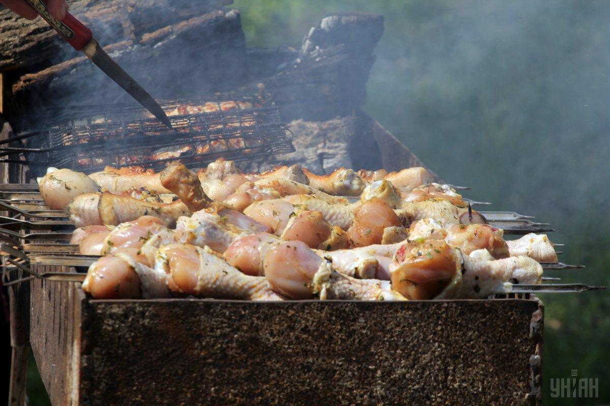 Як приготувати шашлик з курки / фото УНІАН