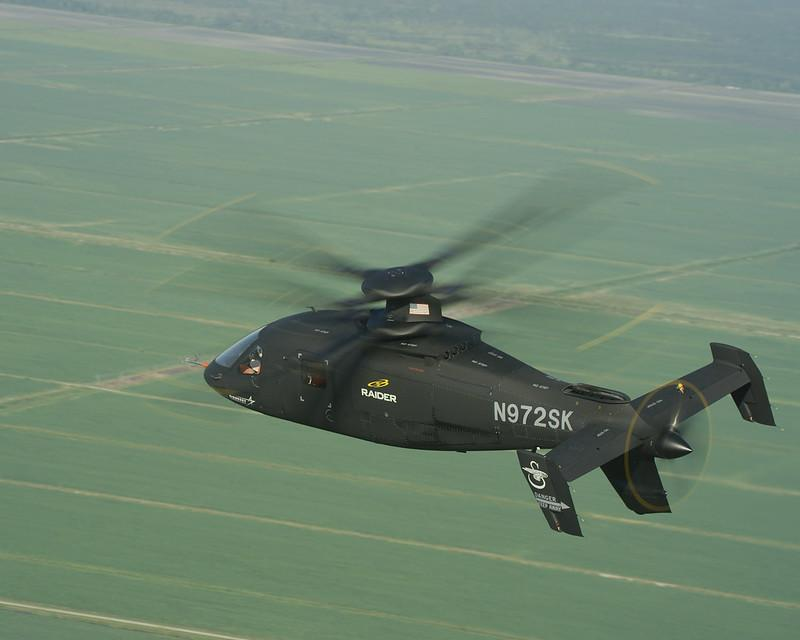 Вертоліт Sikorsky S-97 Raider виконаний за співвісноюсхемою ізштовхаючимхвостовим гвинтом / фото lockheedmartin.com