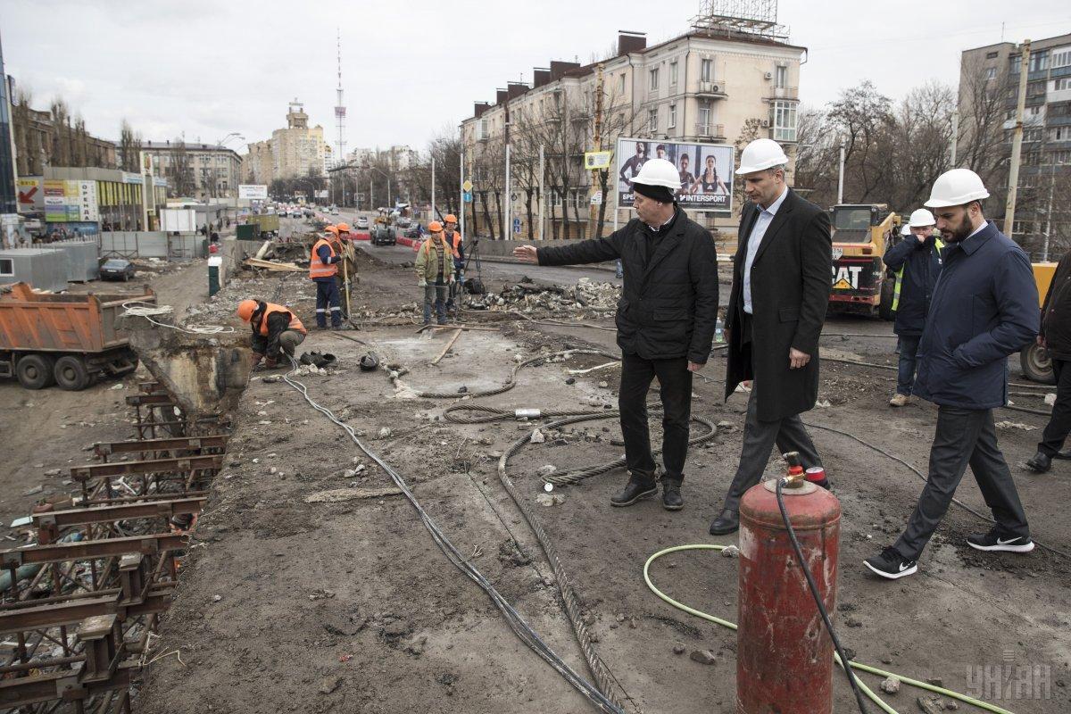 Кличко збільшив до мільярда витрати на Шулявський міст/ фото УНІАН