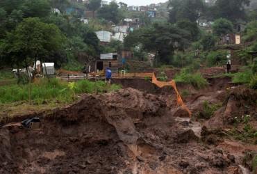 У ПАР жертвами проливних дощів стали десятки людей