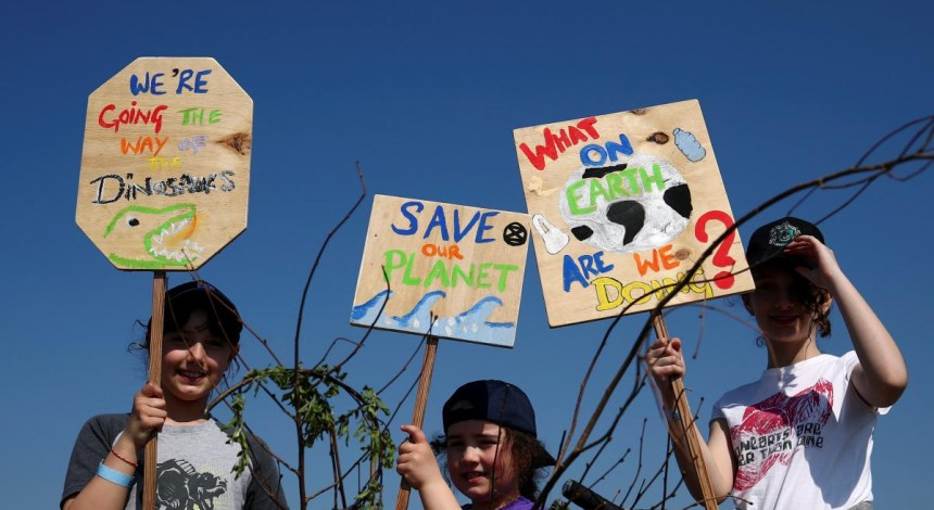 В Лондоне экоактивисты захватили часть Музея естествознания (фото)