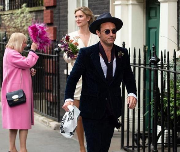46-летний актер женился на психологе / redcarpetmood