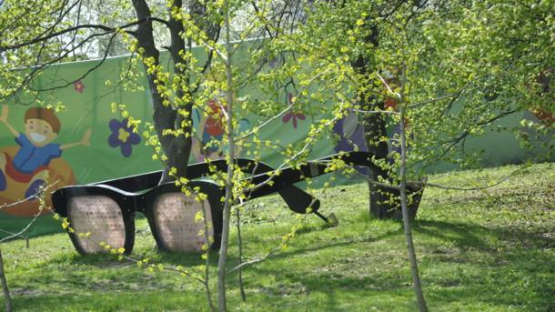 Скульптуру демонтировали и выкинули в кусты/ Фото: Мила Князьская-Ханова