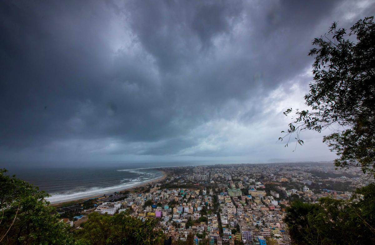 На Индию надвигается циклон / REUTERS