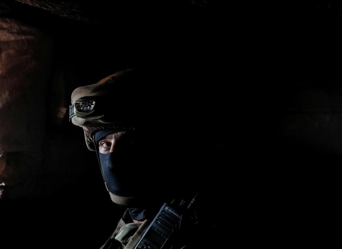 Украинские войска страдают от обстрелов наДонбассе / Иллюстрация REUTERS