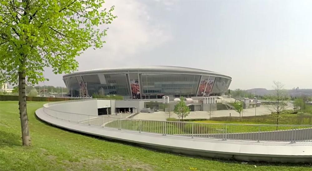 """Очевидец рассказал о состоянии стадиона """"Донбасс-Арена"""" и его окрестностей / dnews.dn.ua"""