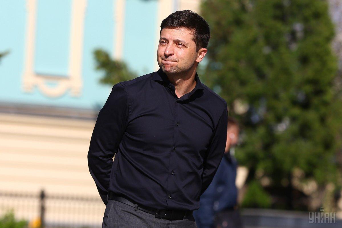 Зеленский обратился к Верховной Раде с требованием принять дату инаугурации 19 мая \ фото УНИАН