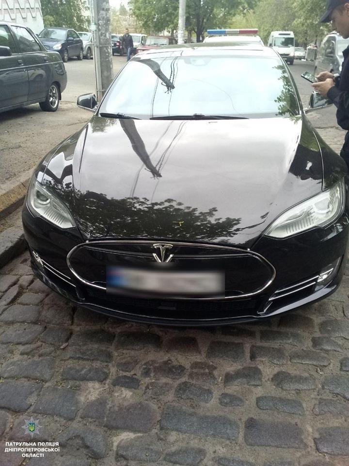 Автомобиль с прошлого года числится в угоне / фото patrol.police.gov.ua