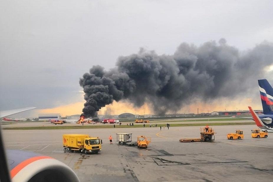 Самолет совершил экстренную посадку около 19:00 по местному времени / REUTERS