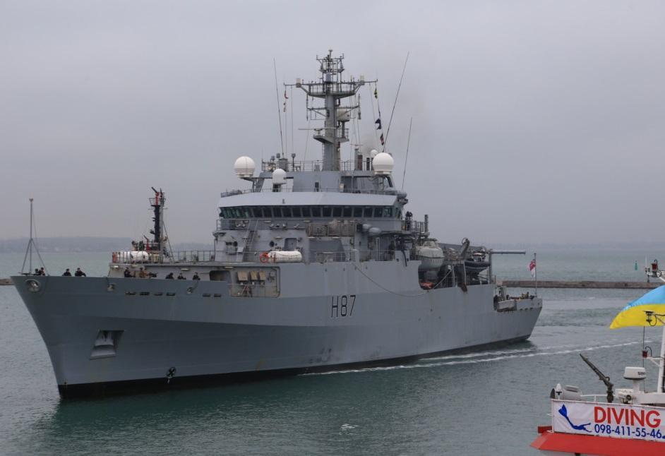 Корабль ошвартовался у причала морского вокзала порта / фото: Думская